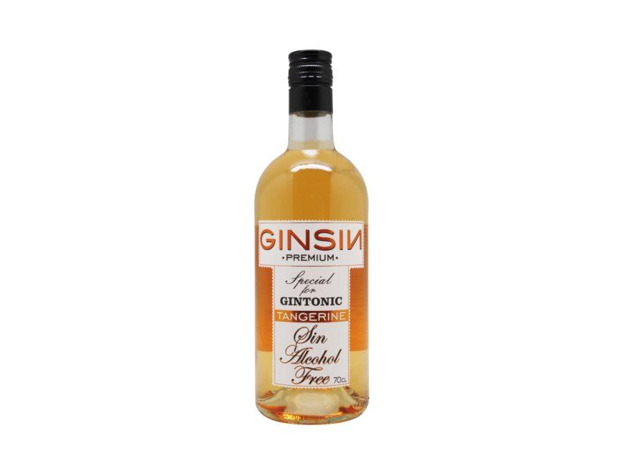 GINSIN TANGERINE es una bebida sin alcohol inspirada en la ginebra sin alcohol, utiliza los mismos ingredientes de la misma pero macerando los ingredientes por lo que no existe destilación ni fermentación, obteniendo un producto 0,0.