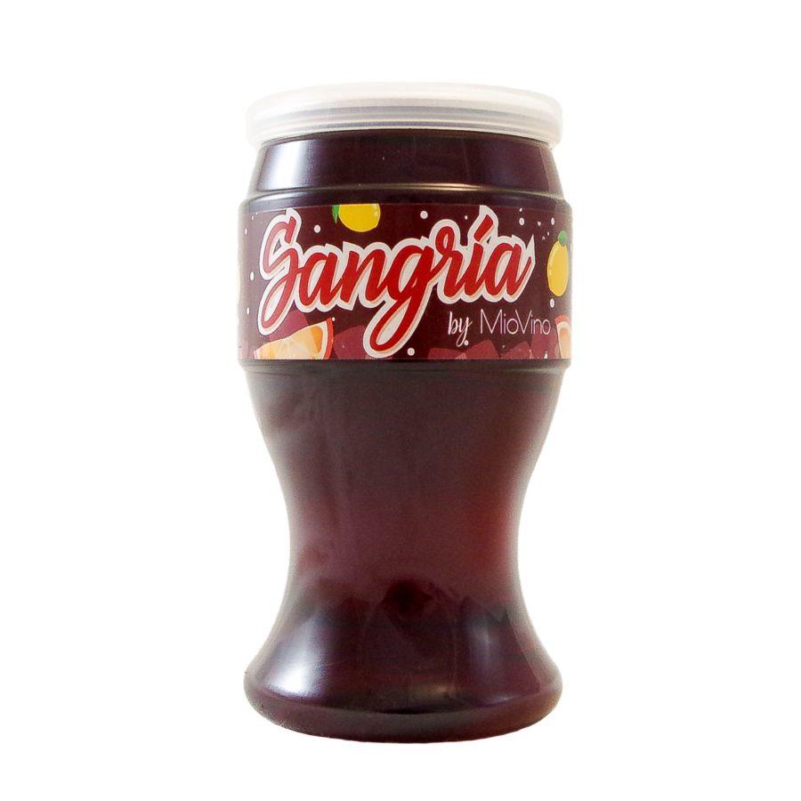 Vaso de Sangría marca Miovino una bebida con alcohol lista para tomar en cualquier momento y lugar